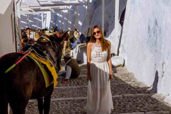Things to Do in Santorini - Honeymoon in Fira - www.laurenroute.com