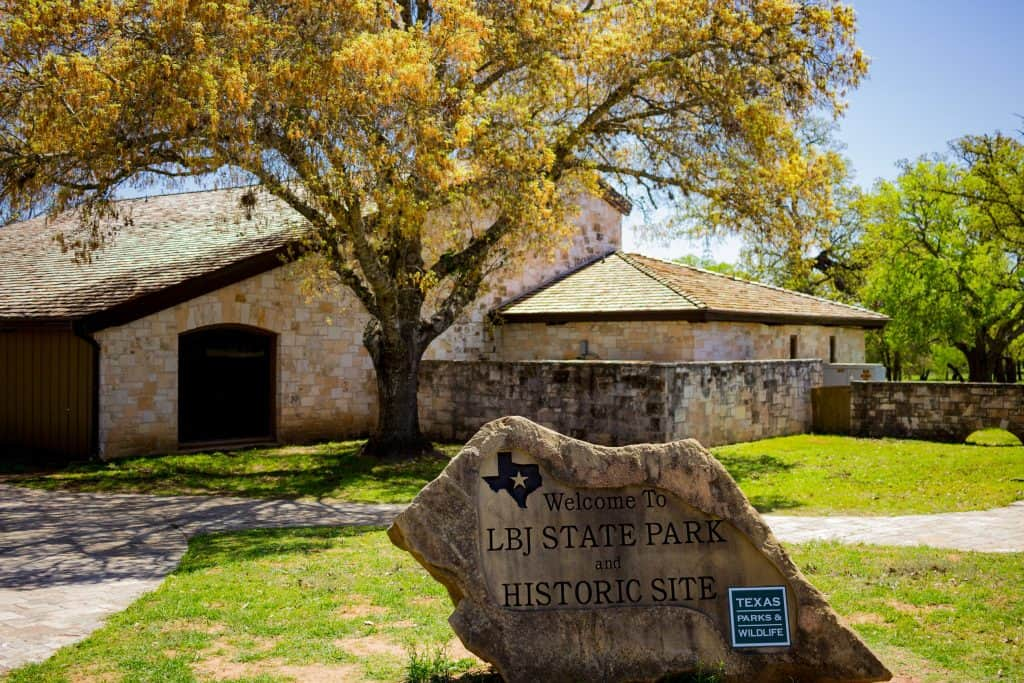 LBJ State Park and Historic Site Info Center - www.lauraenroute.com