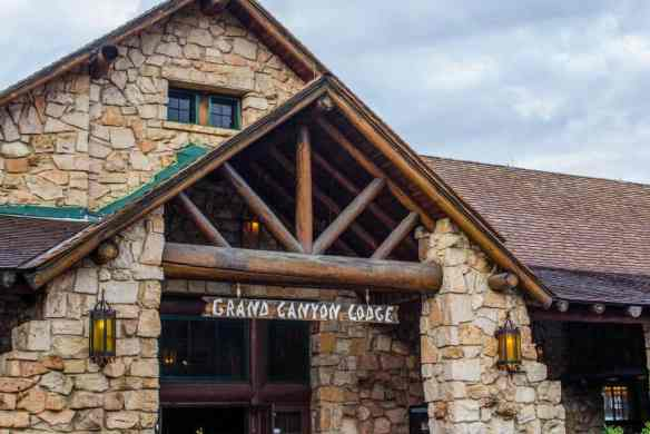 Grand Canyon Lodge at the North Rim - www.lauraenroute.com