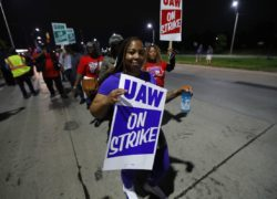 UAW strikers holding pickets