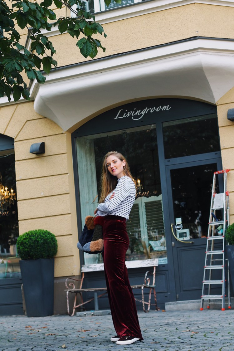 Laura Herz Velvet Palazzo Parts s.Oliver Ringelshirt Mango Fake Fur Bag Superga Sneaker München