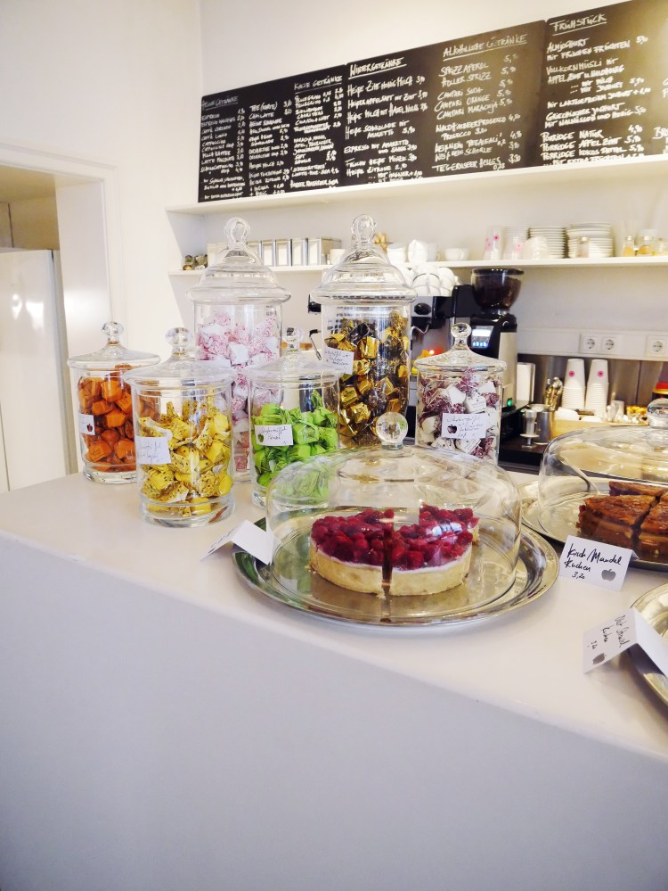 Café Schneewittchen am Glockenbach Theke