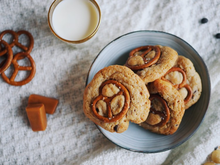 Chocolate Chip Cookies with Pretzel, Macadamia and Sea Salt