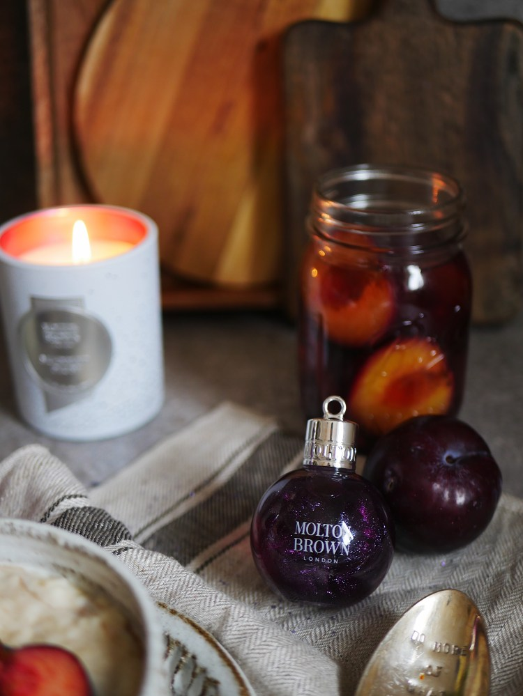 Molton Brown Muddled Plum Festive Bauble