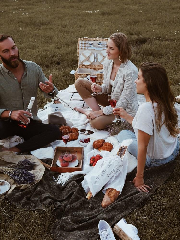 Picknick im englischen Garten mit Mateus Rosé
