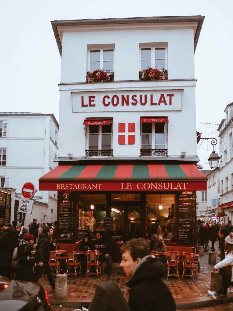Le Consulat Restaurant Paris, France