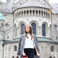 Outfit: Someday Pullover, Bug Bag and Zara Overknees