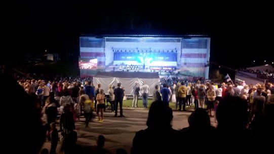 Festival in Viljandi zur Jubiläumsfeier der Menschenkette von Tallin bis nach Vilnius