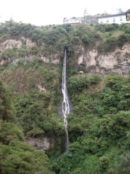 Wasserfall neben der Kathedrale