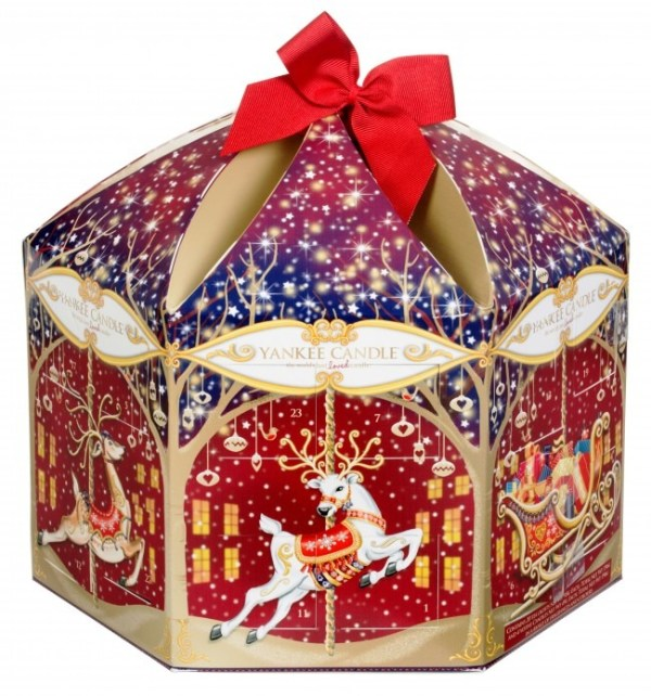 Laura Kate Lucas. Manchester based fashion and lifestyle blog. best advent calendars of 2015 - Yankee Candle Advent Carousel