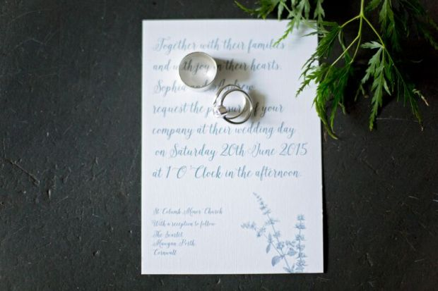 organic rustic classic elegant plants leaves wedding stationery invites invitation tags stylish simple