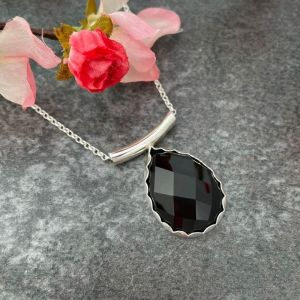 Black agate gemstone pendant hallmarked in London