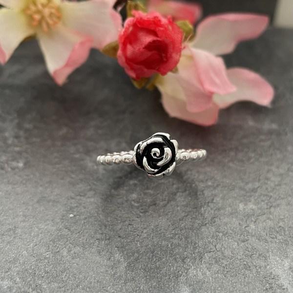 Silver rose flower ring