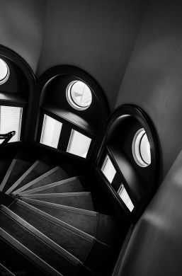 mortlock library stairs