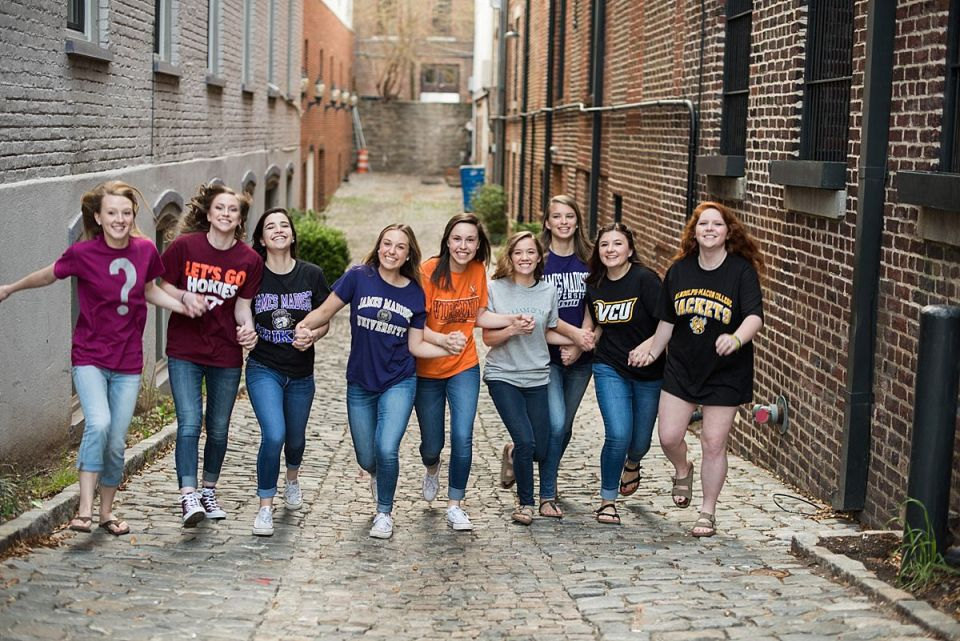 senior, grad, pictures, photos, photography, Laura Matthews, college, Richmond, Glen Allen, cobblestones, fountain, downtown, shockoe,