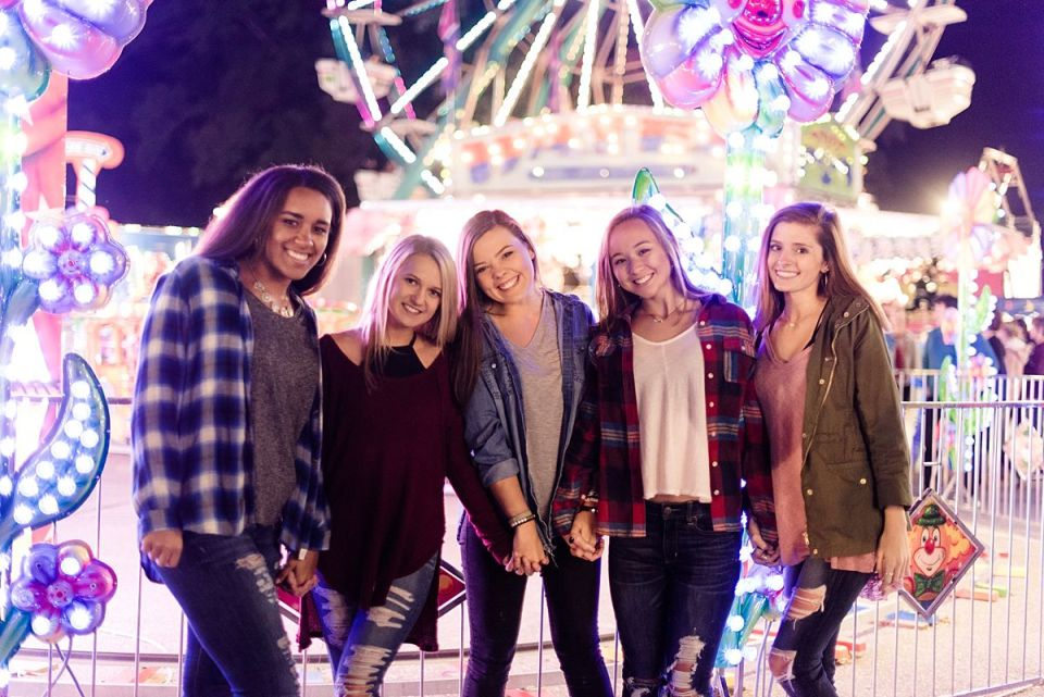 richmond, seniors, state fair, virginia, senior, glen allen, meadow event park, carnival, fried oreos, ferris wheel,  VIPteam, Laura Matthews, photography, photographer, carousel