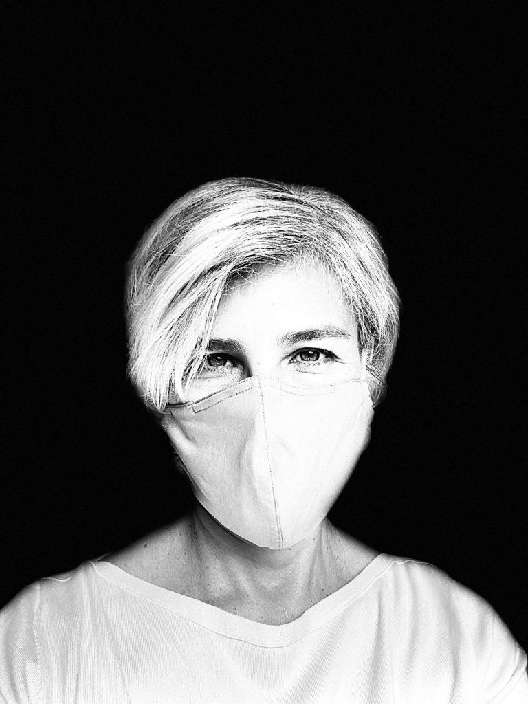 Mask, Laura