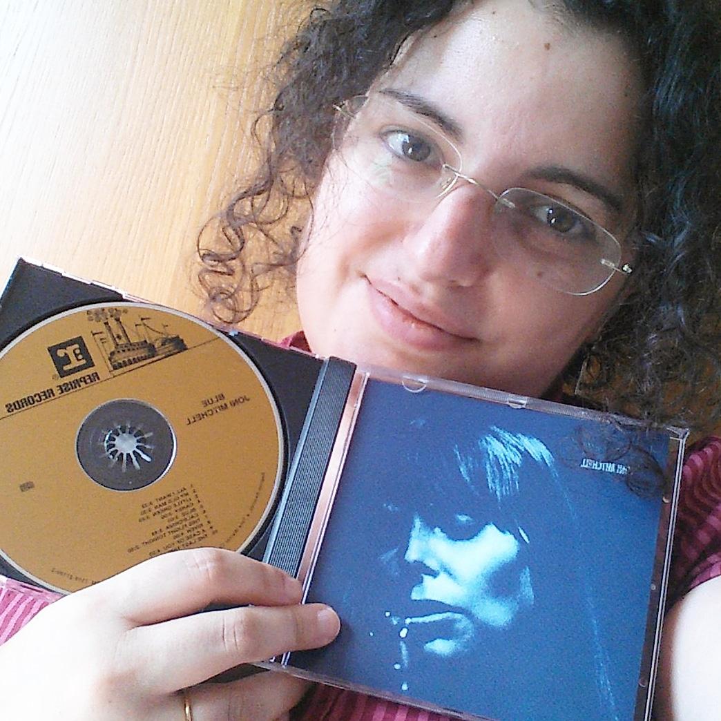 """mio scatto con in mano il CD di Joni Mitchell """"Blue"""""""
