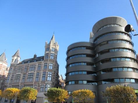 Juxtaposed Belgium (a common sight)