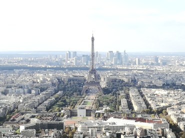 From one tower to the next; the Eiffel Tower as seen from the Montparnasse Tower