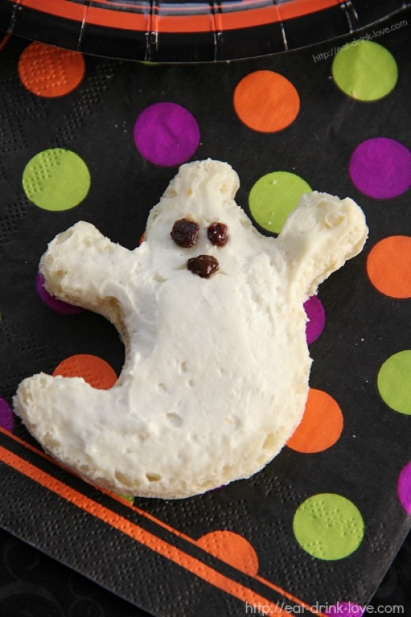 Cucumber Cream Cheese Ghosts 21 Halloween Party Treats www.lauraslittlehousetips.com