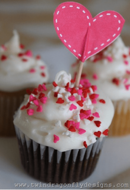 10 Fun & Creative Valentine Cupcake Recipe Ideas