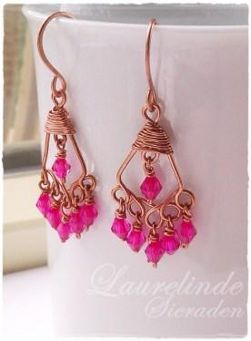 roze bohemian chandelier oorbellen