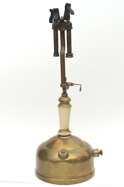 Antique Brass Sunshine Of The Night Coleman Gas Lamp