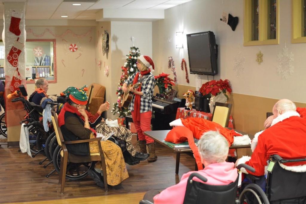 Christmas Carolling at Laurel Place