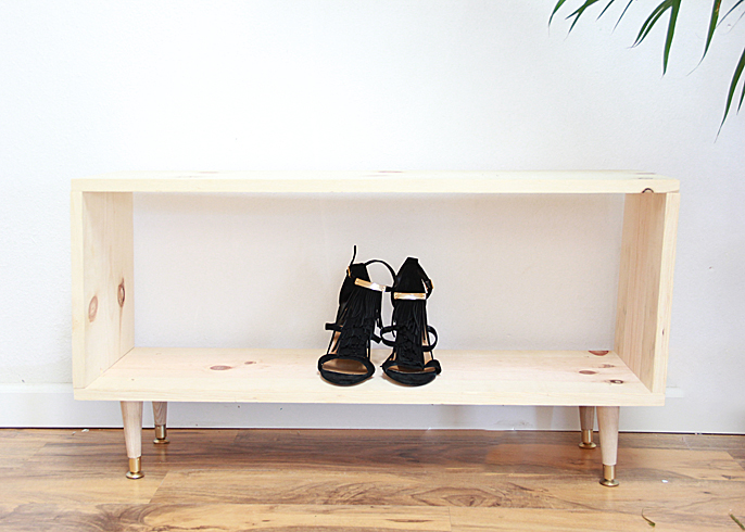 a bubbly lifediy wooden shoe rack a bubbly life. Black Bedroom Furniture Sets. Home Design Ideas