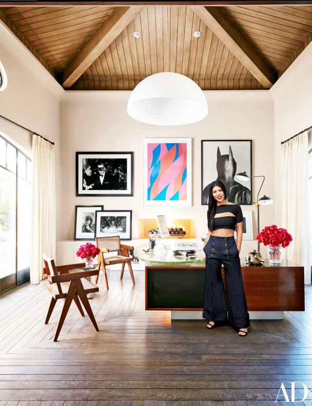 Inside Kourtney Kardashian's Calabasas Family Abode ...
