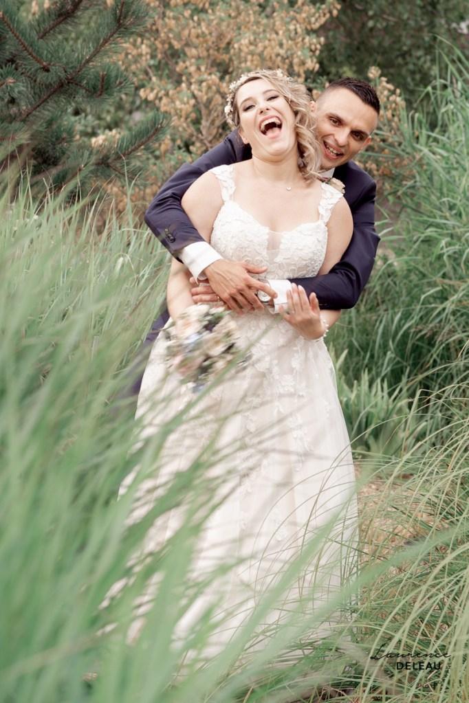 Séance couple mariage au naturel au Jardin des Traces à Uckange