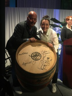 Loved this moment when our hosts, Andrew Zimmer and Ligia Karazawa posed with one of the auction items!