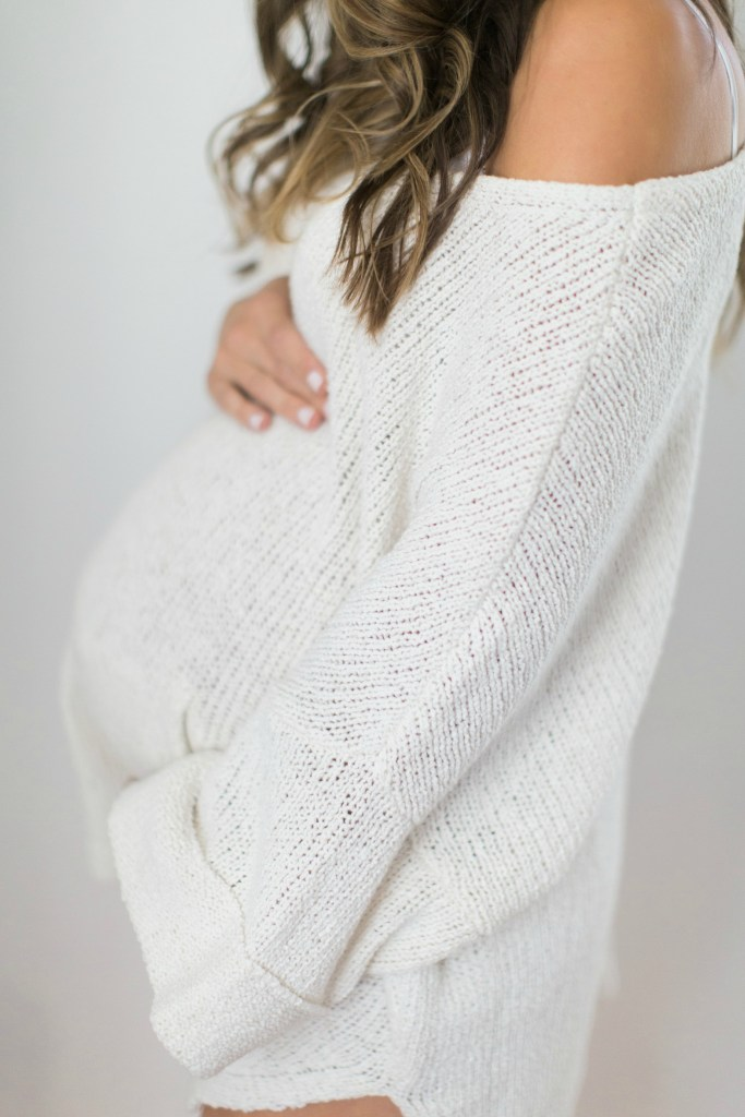 Lauren McBride - What to wear for a maternity shoot