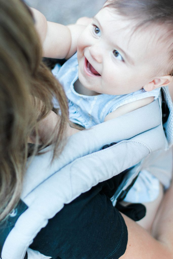 Baby wearing: How to Front Carry with the LILLEBaby Complete All Seasons Carrier