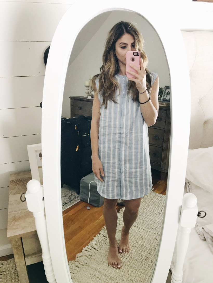 A Trunk Club review of Nordstrom's styling box service, including sizing and fit details of the items included like this BB Dakota Chambray ShirtDress.