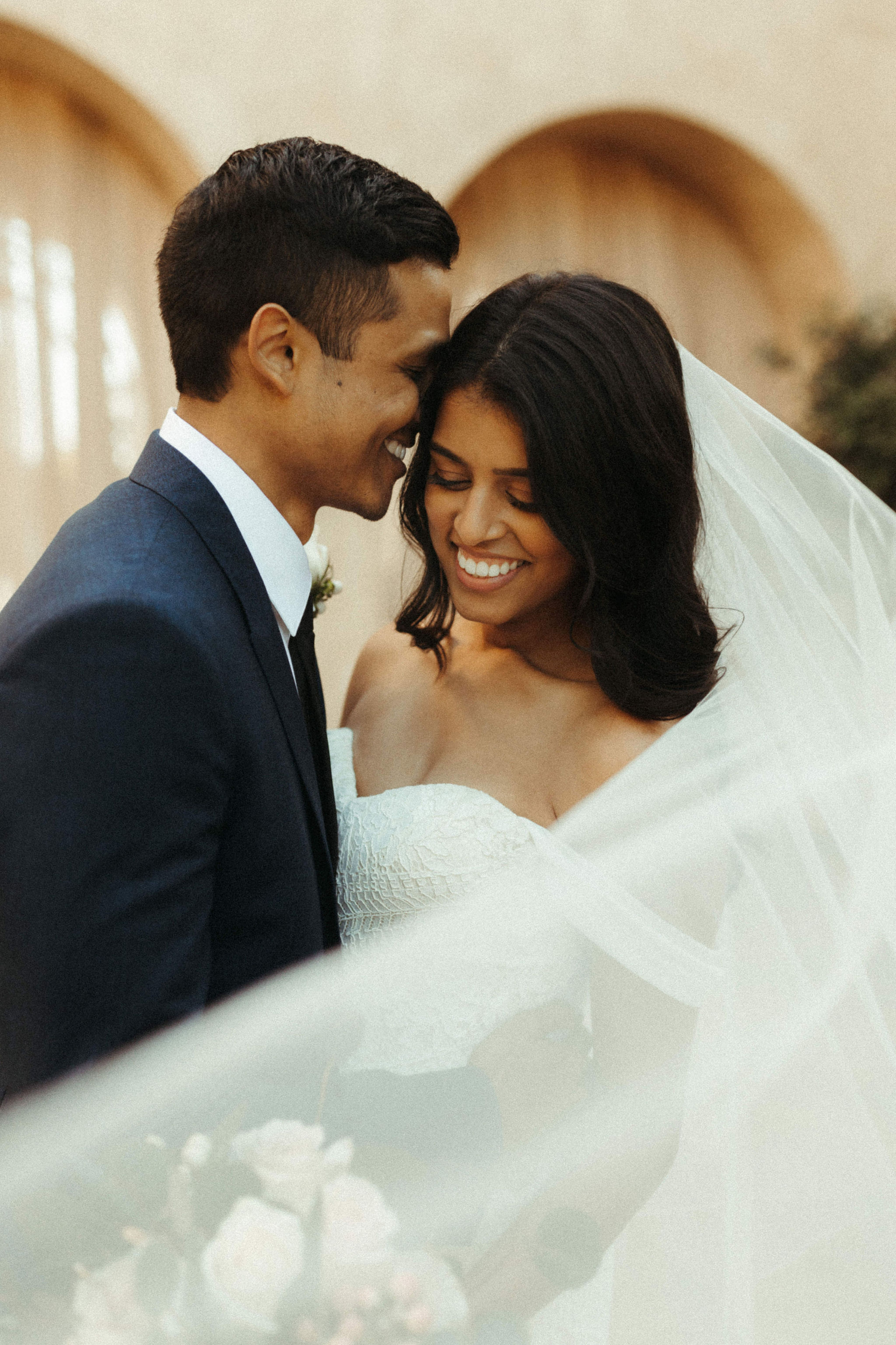 beautiful veil photos on wedding day