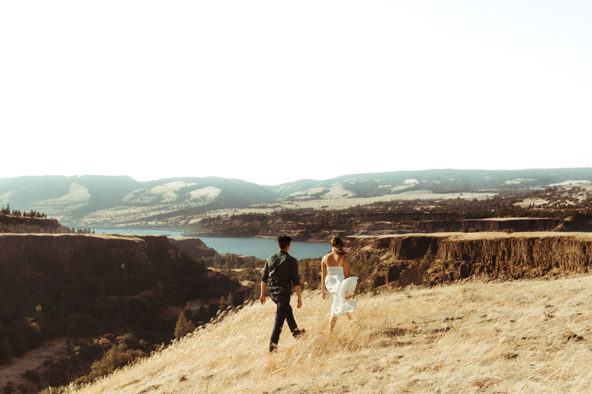oregon engagement session photographer at government cove
