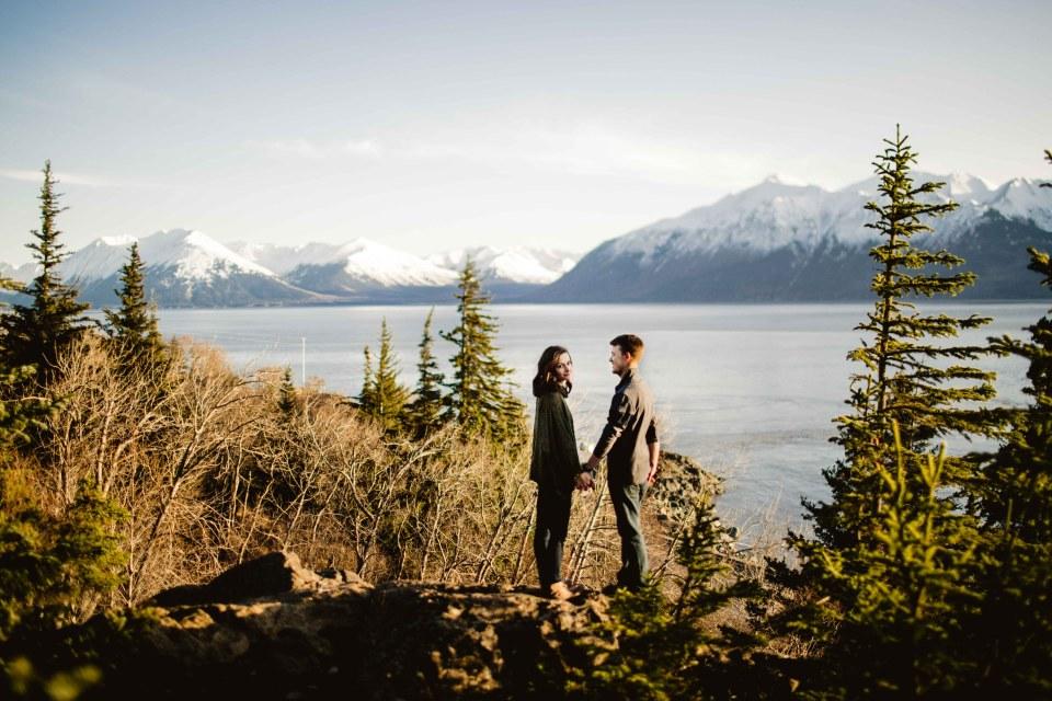 AiliChase-©LaurenRoberts2016-AlaskaEngagementPhotographer-TurnagainArm-4