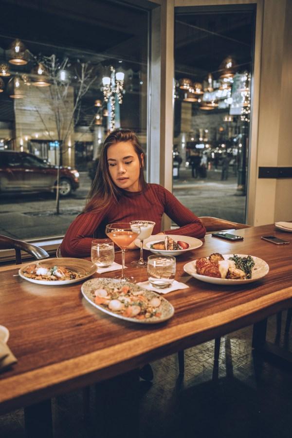 Hyatt Regency Calgary - Thomsons Kitchen & Bar