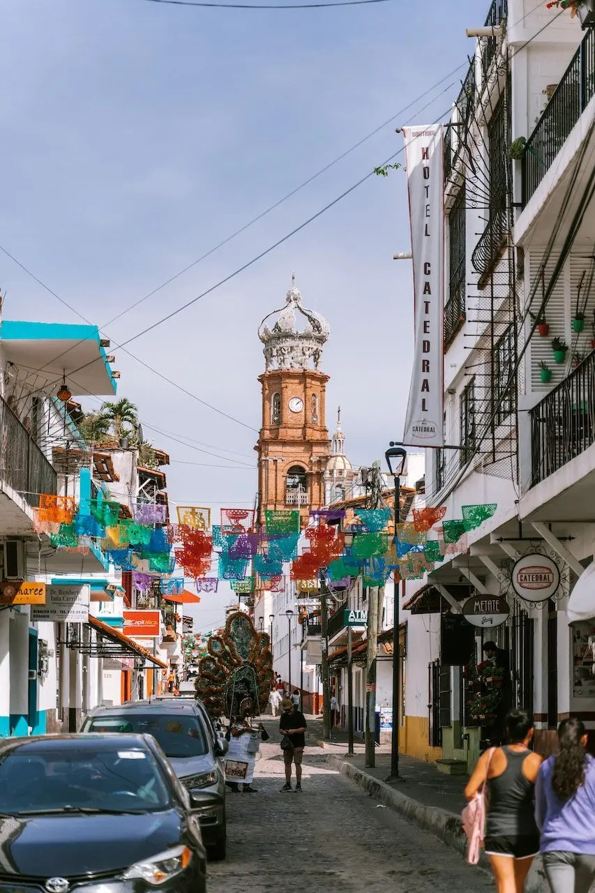 12 Hours in Puerto Vallarta - Our Lady of Guadalupe & colourful street view