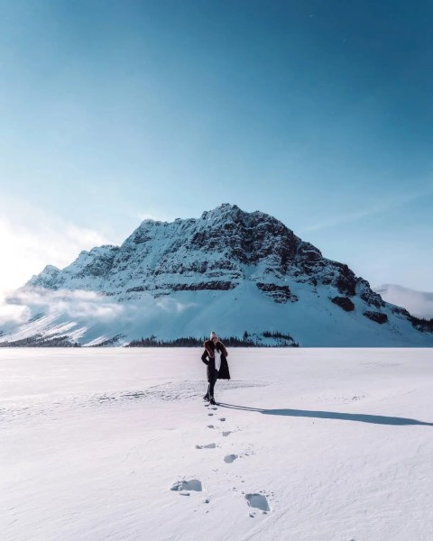 Bow Lake, Banff frozen snow and sunny
