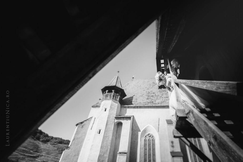 lavinia-si-adi-fotograf-laurentiu-nica-sighisoara-biertan-017