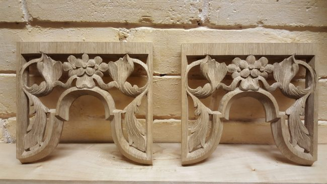 Westminster Abbey choir school pipe organ carvings by Laurent Robert woodcarver, carved tower pipe shades