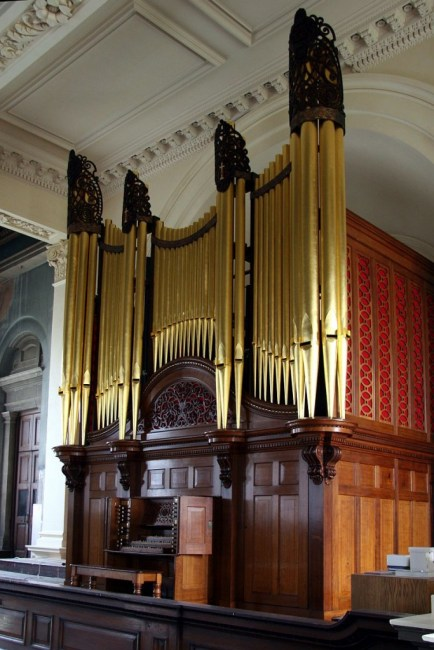 great exhibition pipe organ case restoration by Laurent Robert Woodcarver, casework and carvings