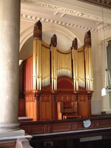 St Anne's Limehouse in London, pipe organ case restoration, organ case after repairs, Laurent Robert woodcarving