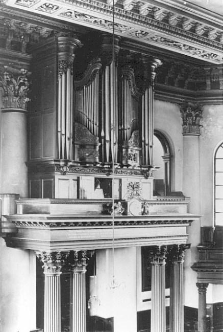 St Paul's Deptford church in London,  1745 organ case restoration, before repairs , Laurent Robert woodcarver