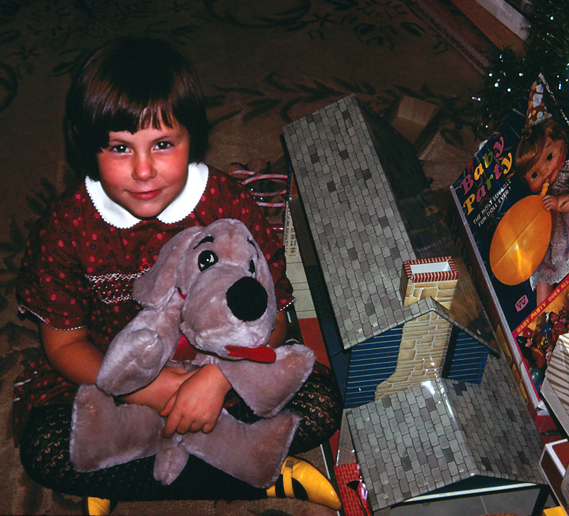Laurie & dog at xmas a