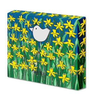 Birdy in Yellow Daffodils