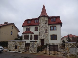 Cool House I saw while on Splits in Warsaw!